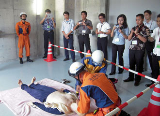 Observation of the training by mobile rescue members