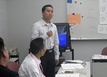 Participant introducing himself in Japanese