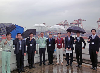 Group picture with NYK container terminal managers